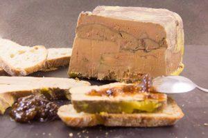 Foie gras au vin rouge et épices fruitées