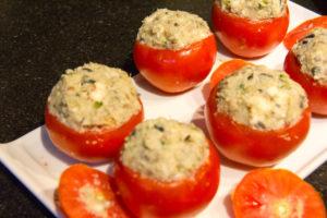 Remplissez les tomates
