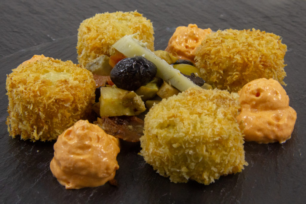 Tout artichaut (cromesquis et barigoule, espuma au poivron)