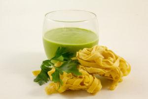 Sauce verte, courgette et basilic