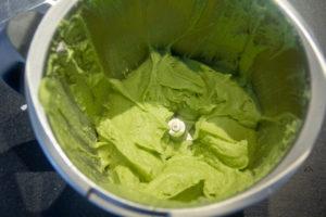Mixez le brocoli avec 5% de son poids de beurre