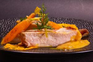Côtes de porc basse température, carotte et sauce orange et miso (recette basse température)