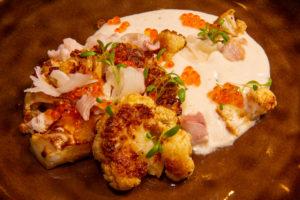 Chou-fleur rôti et sa crème à l'anguille fumée