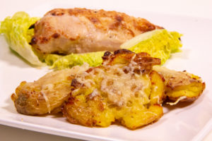 Crushed and grilled potatoes