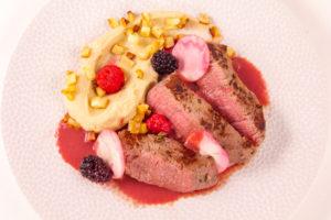 Tournedos de bœuf, céleri et fruits rouges (recette basse température)